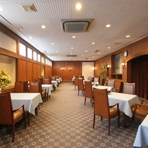 ■レストラン■朝食の場所です 利用時間は6時半〜9時までです