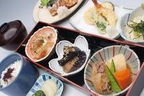 ナンカイ B定食(肉料理メイン)