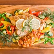 天草産鯛のマリネ。フルコースには魚料理も加わります♪。