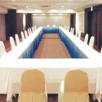会議室【ロの字スタイル】