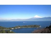 大瀬岬と富士山、駿河湾