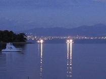 宿から眺める漁火、夜景風景