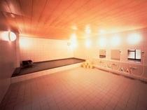 人工炭酸泉の大浴場