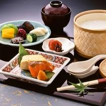 【ご朝食】伝統野菜を存分に使用し、季節の味覚をご提供しております。※イメージ
