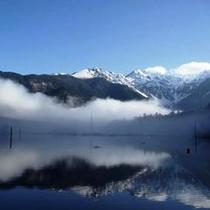 【大正池】国の特別名勝・特別天然記念物に指定されている上高地にある池。