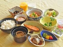 【ご朝食】和食膳の一例※ご予約状況によりどちらかのご案内になります(ご選択不可)