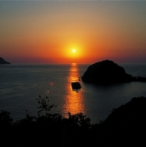 日本海に沈む夕日 今子浦