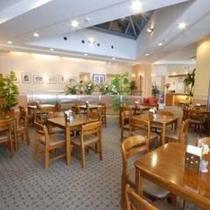 【レストラン】広々レストランでお食事
