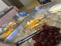 朝食(フルーツなど)