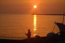 三国港の夕日