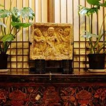 彌榮館のロビーにある装飾の一部