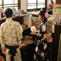 姉妹館「湯亭 花のれん」では、懐かしいおもちゃも売ってます。