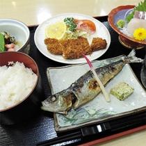*夕食一例/館内の「和食処よし田」では、熟練の板前が腕をふるうお料理が魅力。