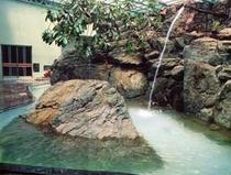 自然大岩風呂