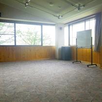 *【施設/団らんスペース】トレーニングやミーティングなどにも使われます。