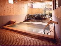 1階湯殿「くつろぎ」露天風呂