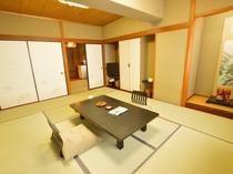 10畳客室 バス・温水洗浄トイレ・32型テレビ