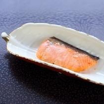 【朝食】焼鮭