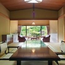 鯉の泳ぐ日本庭園に面した特別室(10帖+次の間+広縁)
