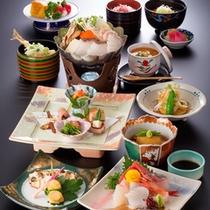 *【グレードアップ夕食(一例)】夕食のお造りの種類が増えて、さらにプラスでもう一品。