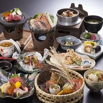 御夕食は地場の食材を盛り込んだ秋の和風会席膳。