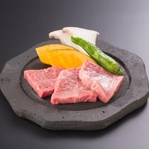 *【夕食一例】福島県産黒毛和牛の『ミスジ』を溶岩焼きでご用意いたします☆