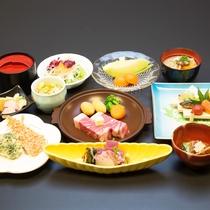 *【夕食一例/琥珀コース】質・量ともに自慢の味覚が食卓を彩ります。