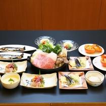 *北信州美雪牛を使用した牛すき鍋をメインにした和食会席をお楽しみ下さい。(写真は2名様分)