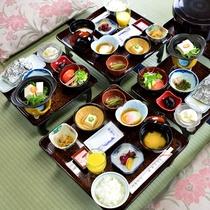 *朝食一例/地の素材を生かした季節の和食膳をご用意