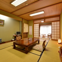 *【川側】和室10+広縁4畳(トイレ付) 眺望◎部屋の眼下には清流ゆびそ川。