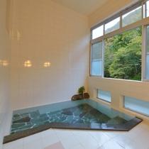 *小浴場/100%源泉掛け流しのピュアな温泉!