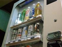 2階にも自動販売機がございます♪