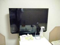 少しずつではありますが、液晶テレビに入れ替えを行っております!