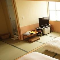 ★一番広い和室の写真(左側)です★※右側の写真と合わせてイメージして下さい♪