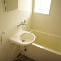 ★一番広い和室に備え付けのお風呂です★