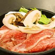 【松茸会席 松茸と黒毛和牛のすき焼き】 一例