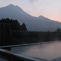 屋上総檜展望露天風呂山渓の湯