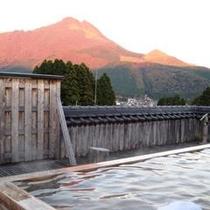 屋上総檜展望露天風呂「山渓の湯」