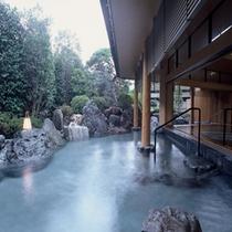 開放感抜群の露天風呂(一の湯、二の湯)