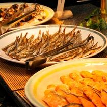 新鮮な焼きもの(朝食)