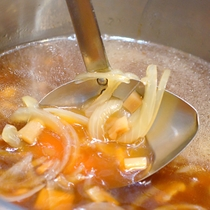 中華気まぐれメニュー★コク旨しょう油の玉葱スープ♪