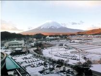 お部屋から望む富士山(お客様撮影)