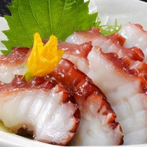志津川産「タコ」のお刺身(別注料理でも承ります)