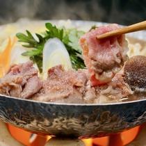 【 前沢牛のすき焼き 】 ※前沢牛プランで、基本は「陶板焼き」ですが「すき焼き」に変更可能です。