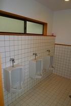 男子トイレ1