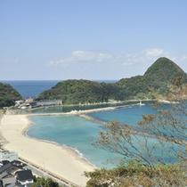 日本海・竹野浜に隣接する旅館 寛(Hiro)は、夏は海遊び、冬はカニ料理がおすすめです。