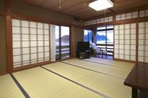 竹野オーシャンビュー 10畳タイプのお部屋の一例。 広々としたお部屋で、ゆっくりお過ごしくださいね♪