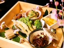 春野菜と桜鯛の彩り会席(一例)
