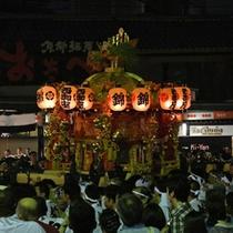 【祇園祭】祇園祭は八坂神社のお祭りで、日本三大祭のひとつ。