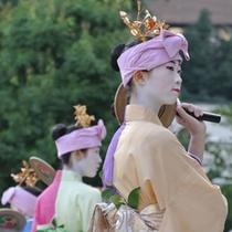 【祇園祭】およそ1100年前、疫病退散のために祇園御霊会を行ったのがはじまりと伝えられています。